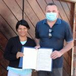 Sehab entrega escrituras do N.R. Genesis de porta em porta para conforto e proteção moradores